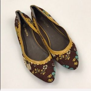 Restricted Floral Corduroy Pointed Toe Ballet Flat
